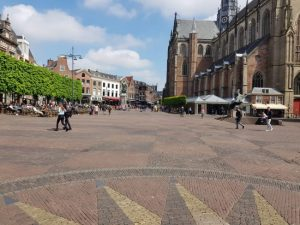 aarlem Grote Markt and Bavo Cathedral